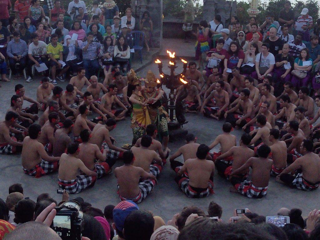 インドネシア ケチャダンス